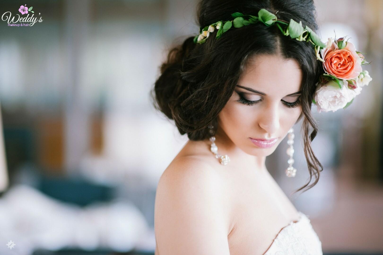 Макияж на свадьбу с прической
