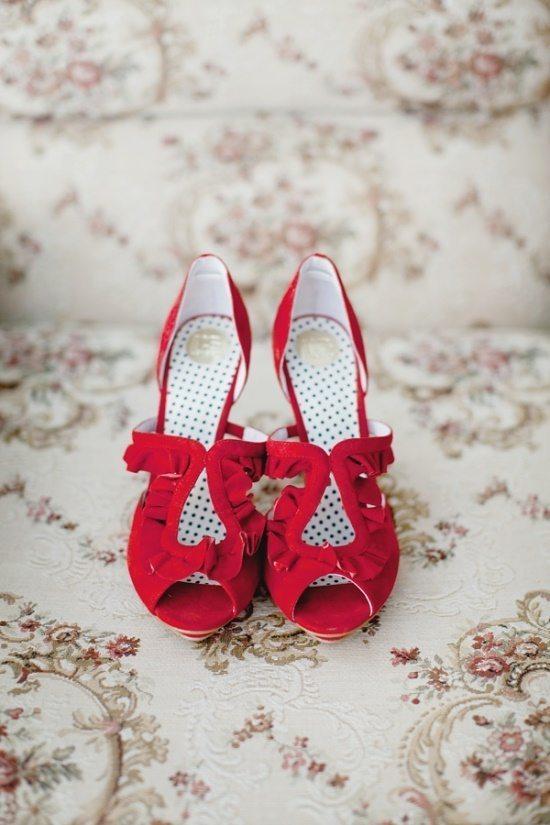 клубничные туфли невесты