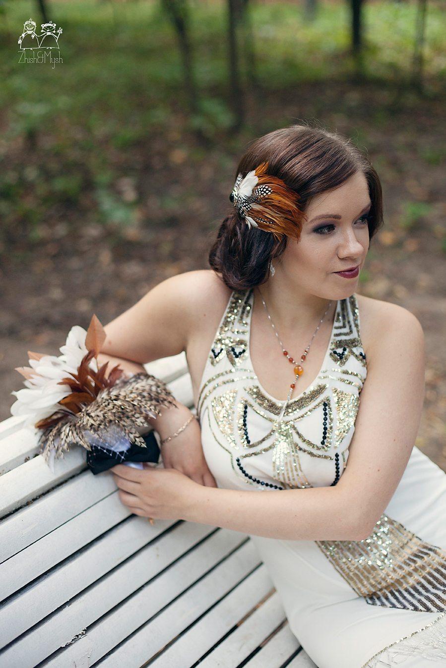 [3] Украшение для волос невесты и букет из перьев