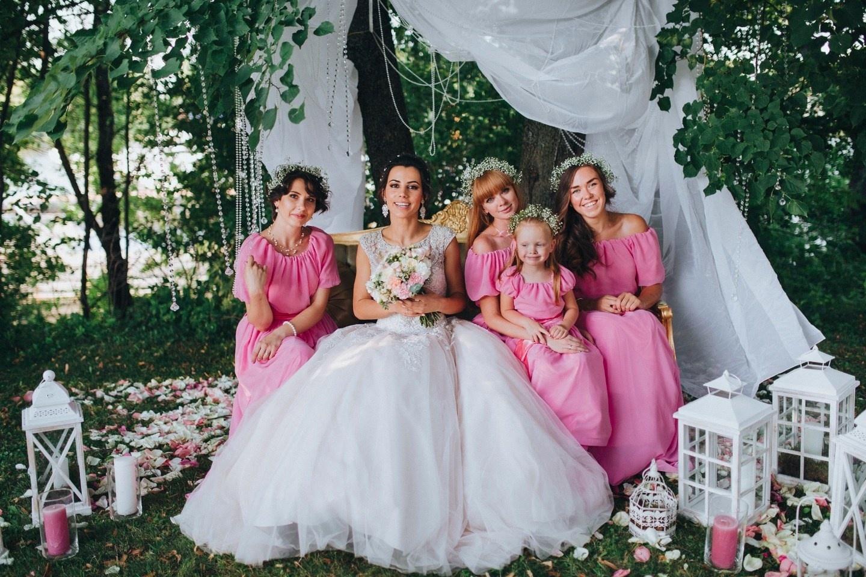 Платья подружек невесты: 8 главных трендов