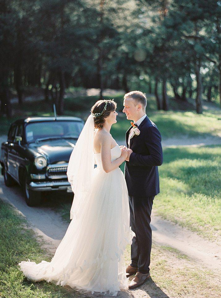 Летняя свежесть: свадьба Артема и Кати
