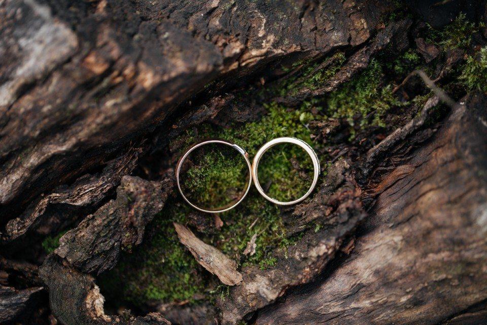 Деревенский домик: свадьба Ильи и Лины
