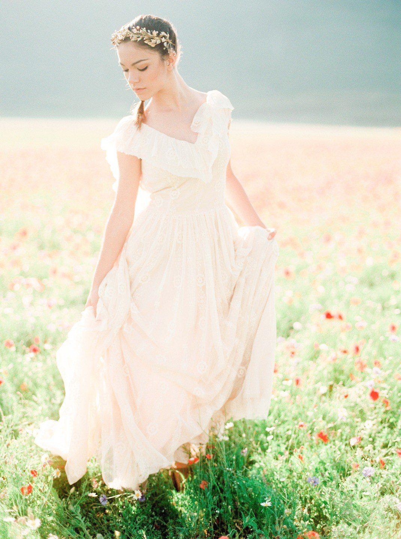 Выбираем свадебное платье: пять главных силуэтов