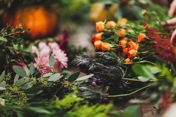 Осенние цветы в тыкве, сумочка из цветы букеты фото