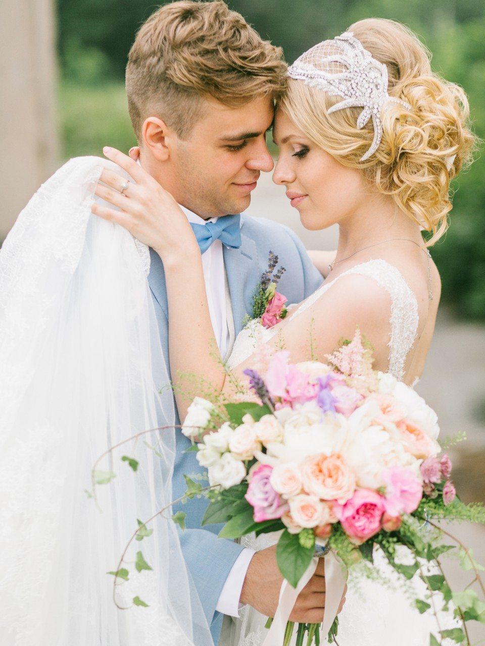 Нежность лаванды: свадьба Сергея и Ольги