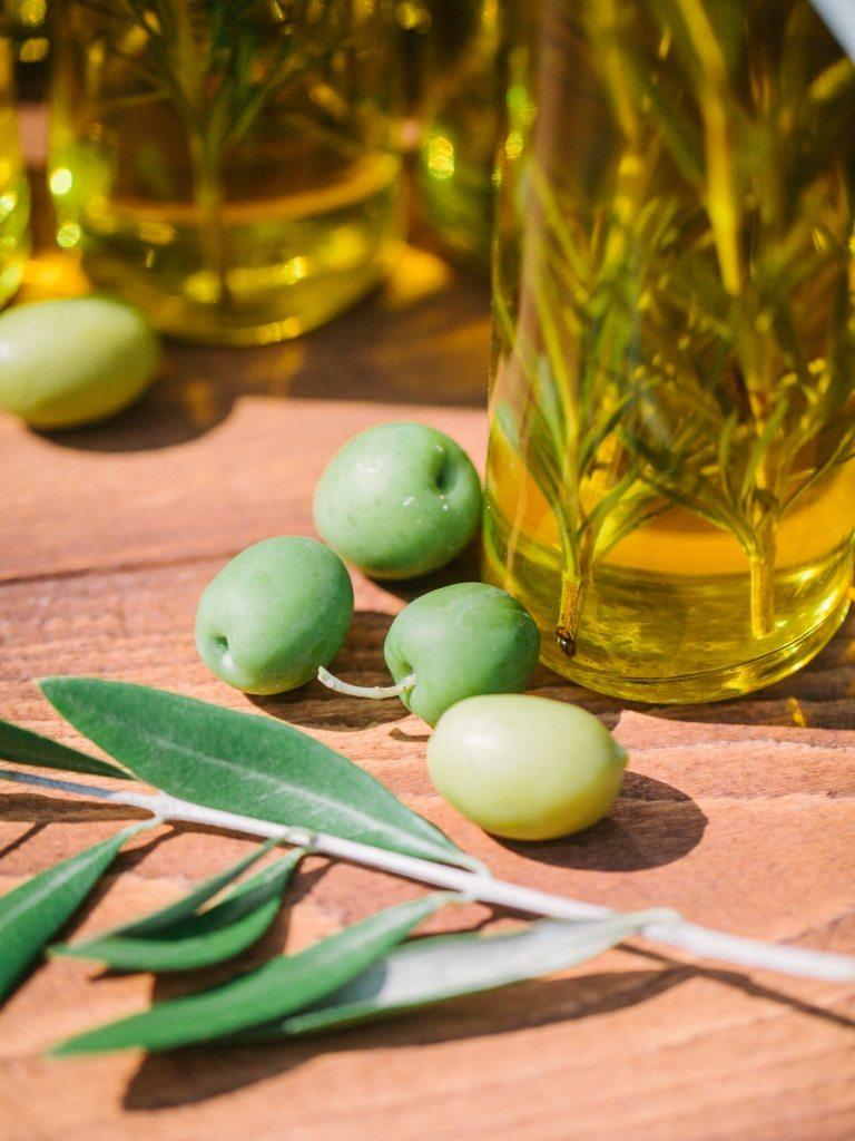 В тени оливковой рощи: свадьба Дениса и Екатерины