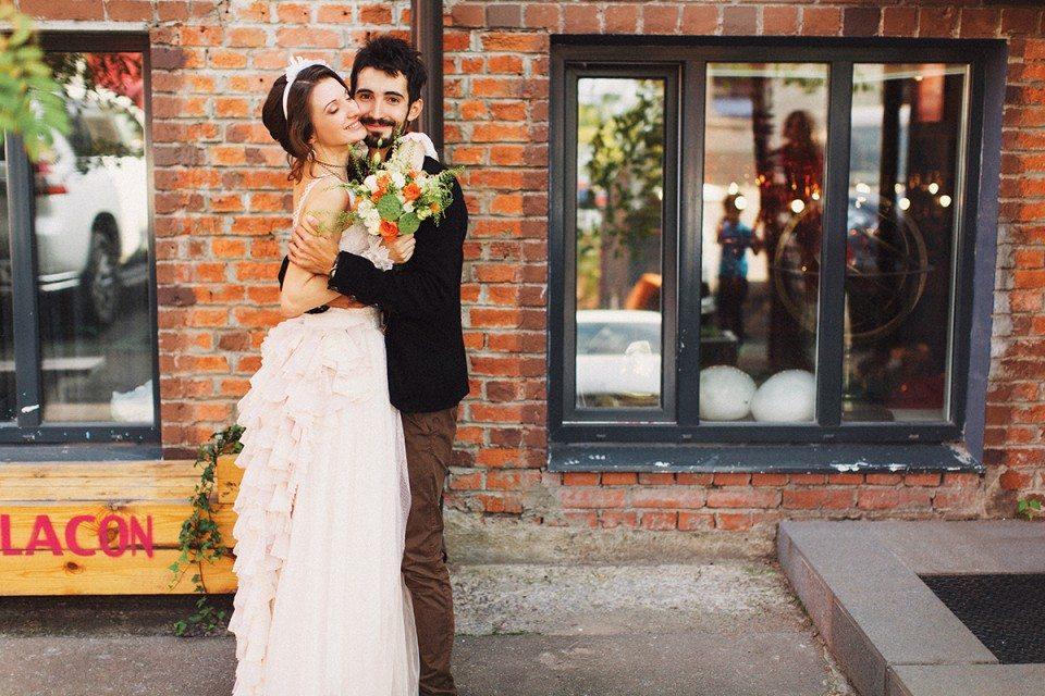 Взрыв красок и эмоций: свадьба Димы и Нади