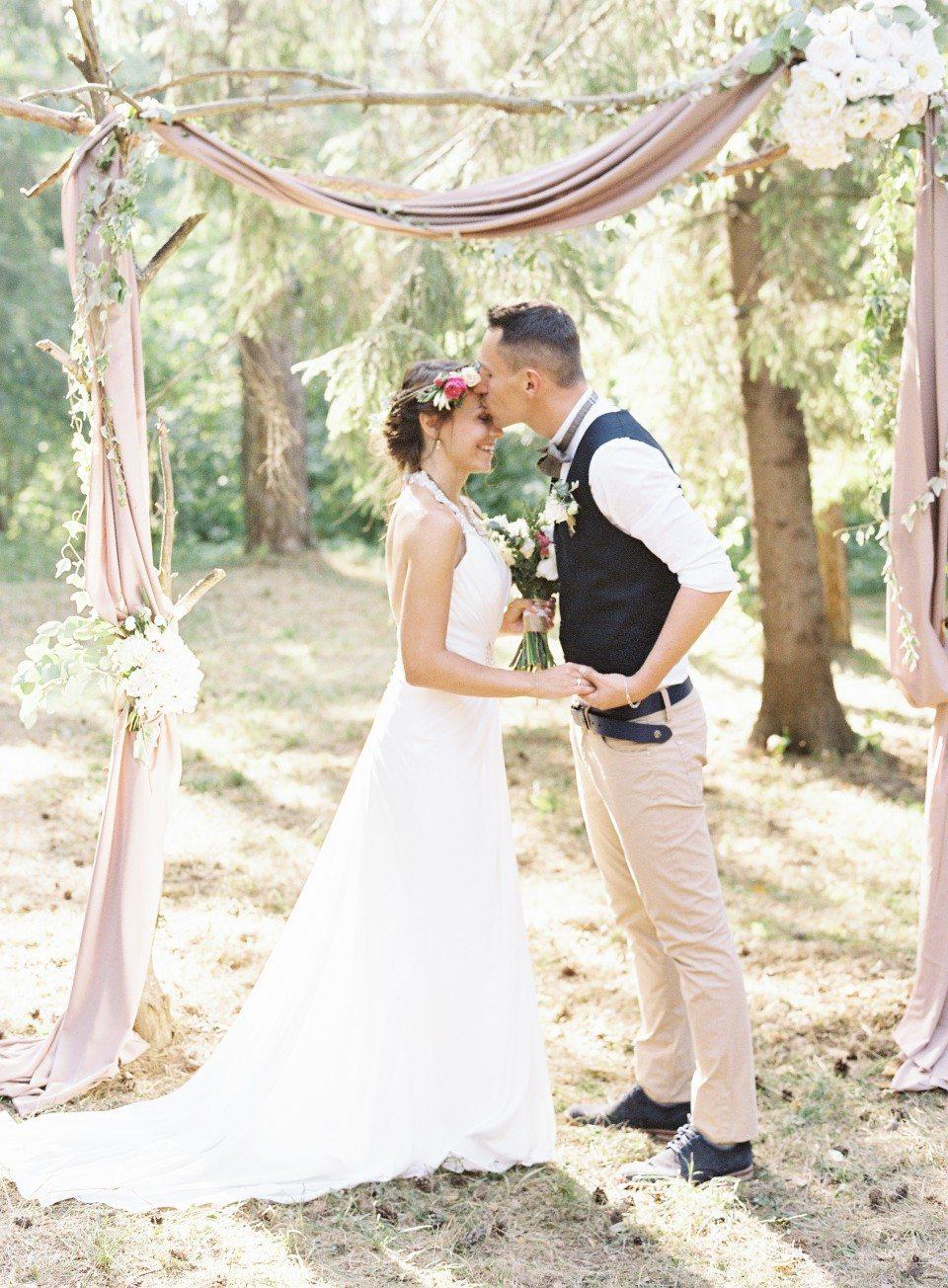 Лесное волшебство: свадьба Алексея и Марии