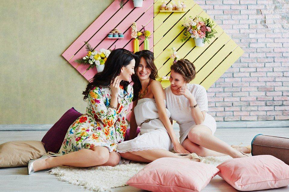 Солнце, счастье и друзья: Даша, Зоя и Кристина на девичнике