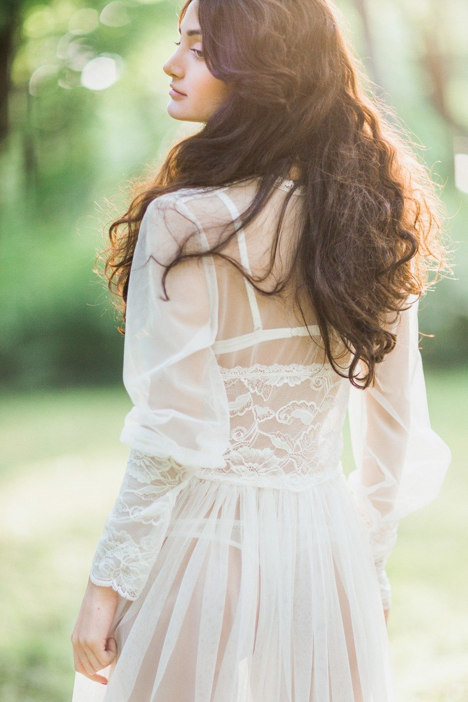 Утро невесты в саду: стилизованная съемка