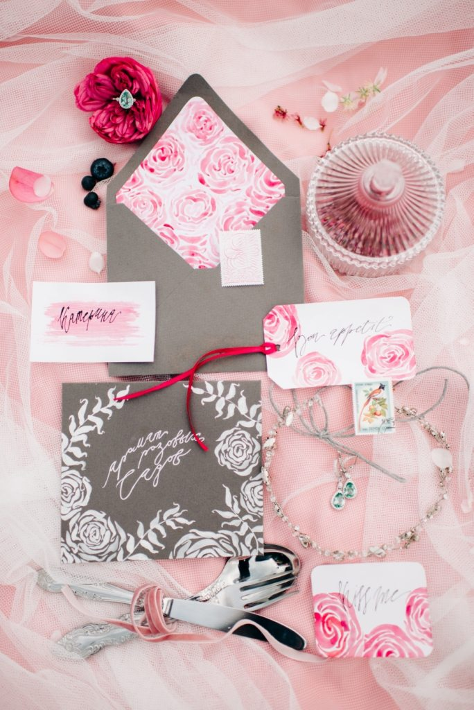 Аромат розовых садов: стилизованная съемка