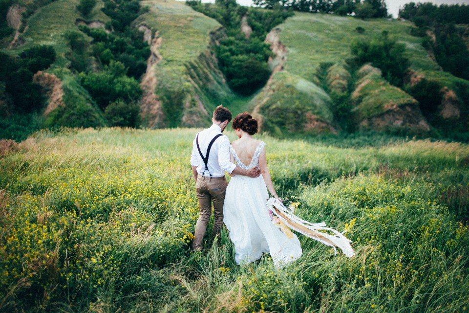На зеленых холмах: стилизованная съемка