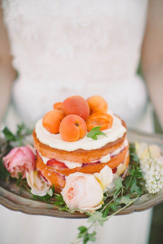 Любовь к абрикосам: свадьба Софьи и Виталия