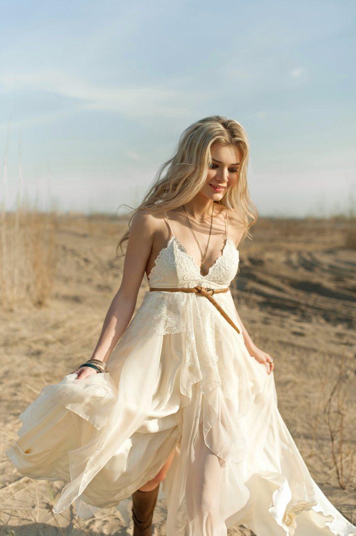 без картинки платья летние на свадьбу ищете