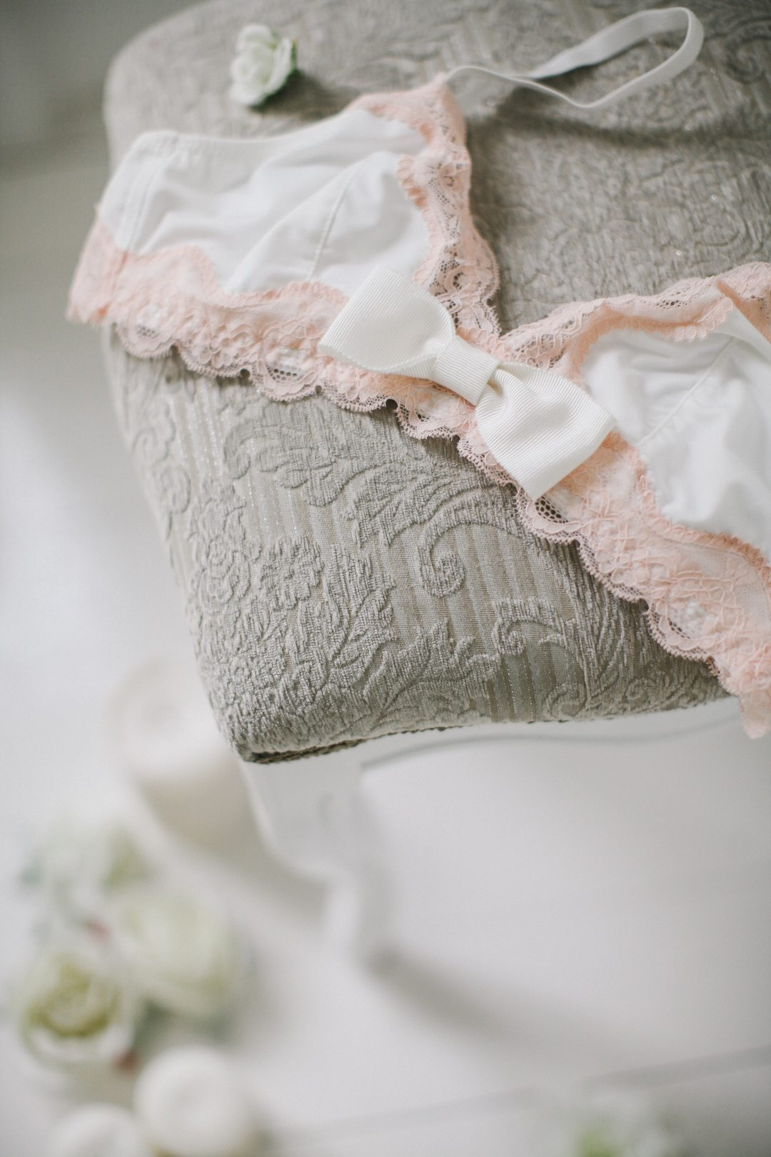 Мнение: Анна Жебелева о будуарном белье невесты