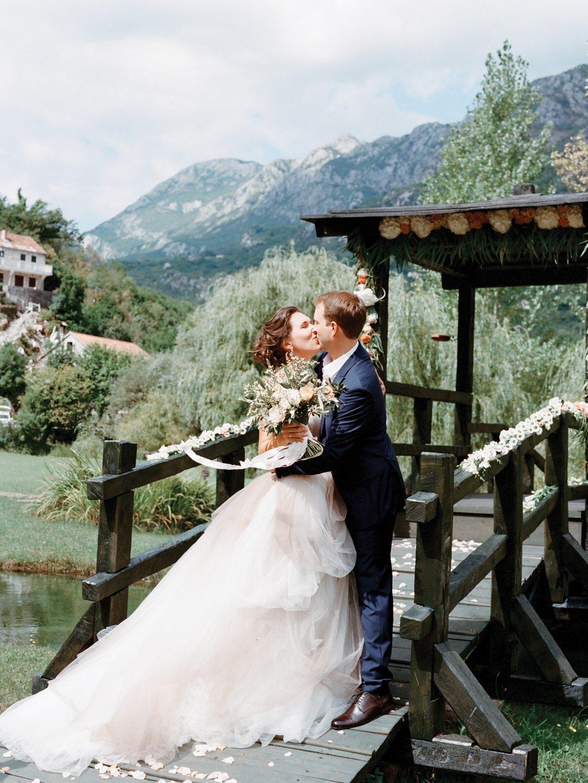В солнечной Черногории: свадьба Максима и Натальи