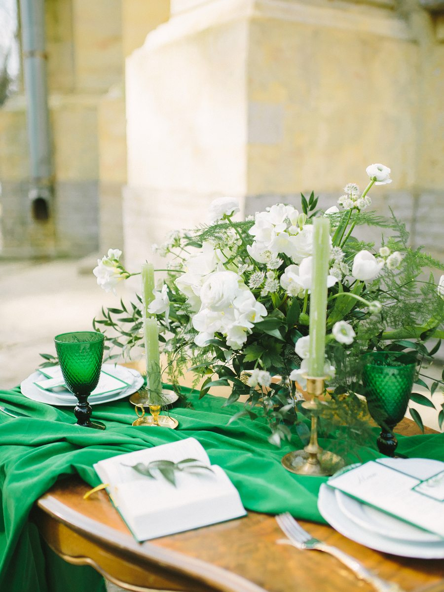 Emerald love: стилизованная фотосессия