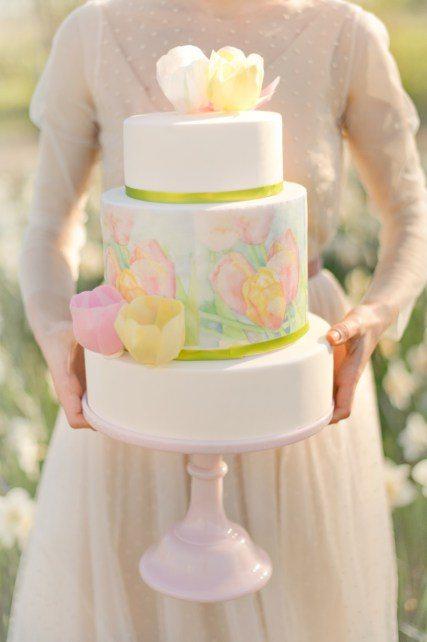 Романтичный торт с бескрайними цветочными полями от Posh Tea Time Автор фото: Fotosolo; love-story Кати и Ильи