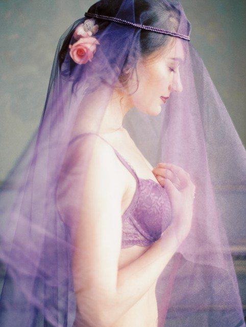 Роскошь, страсть, нежность Ольги Плакитиной в оттенках фиолетового цвета Style&Decor: Irina Polyakova