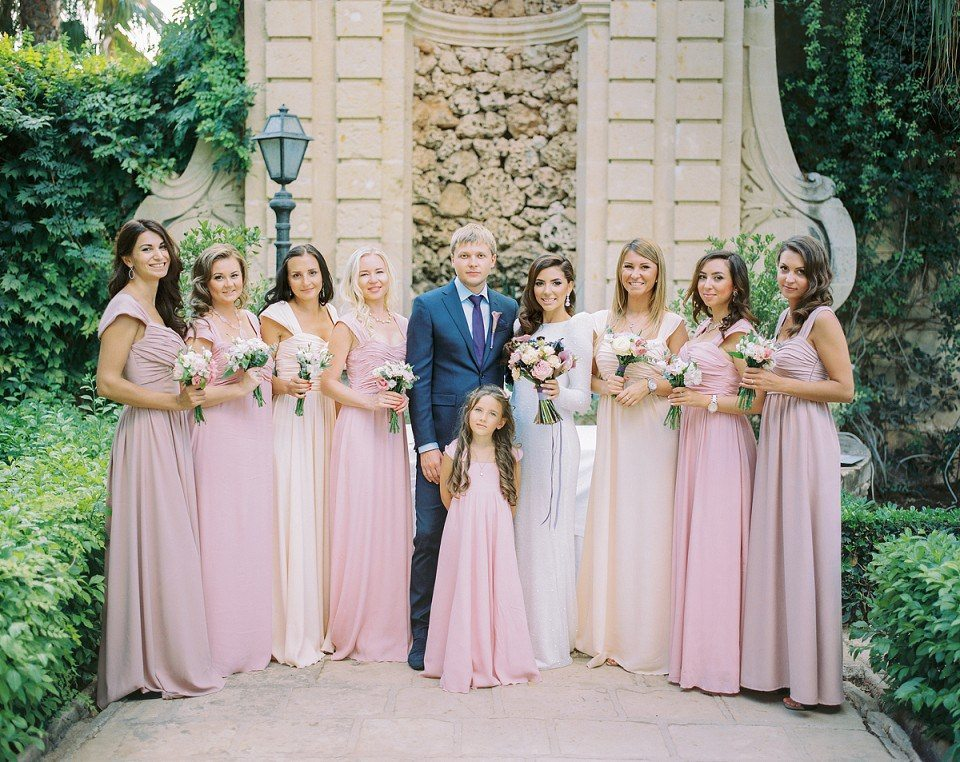12 идей для образов подружек невесты