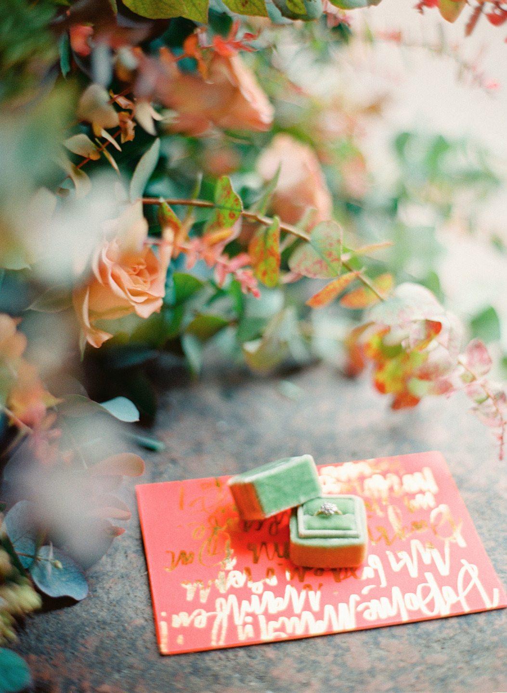 Неоновая весна: стилизованная фотосессия