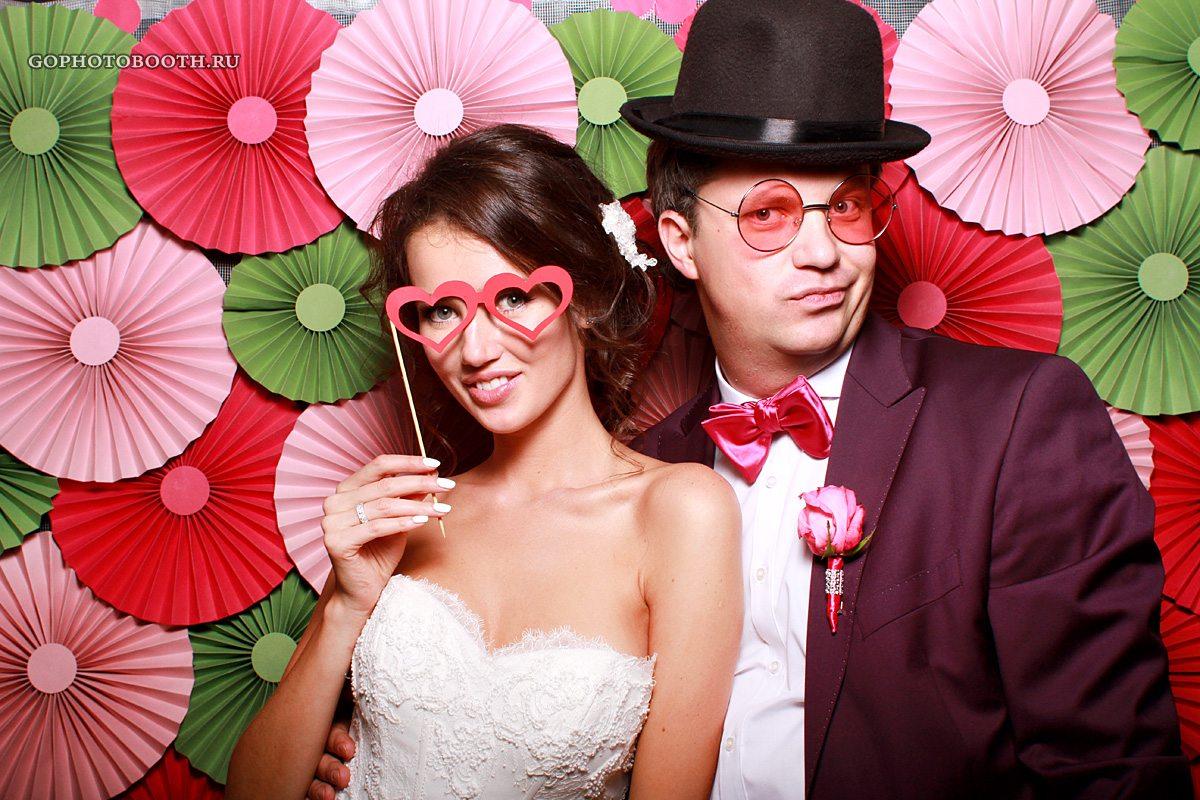 фотокабина на свадьбу появлением