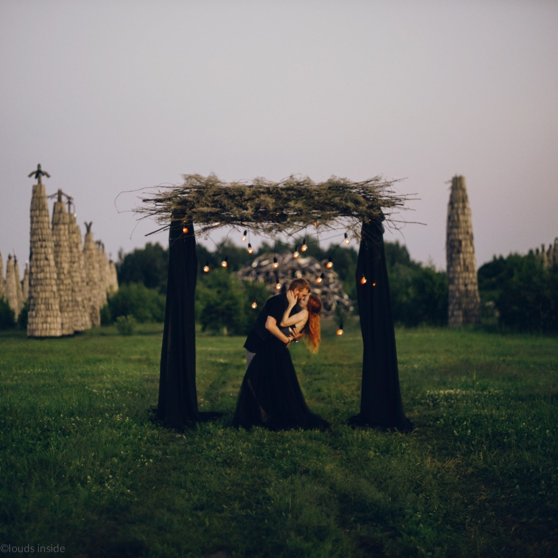 Black is a Happy Colour: love-story в черной стилистике