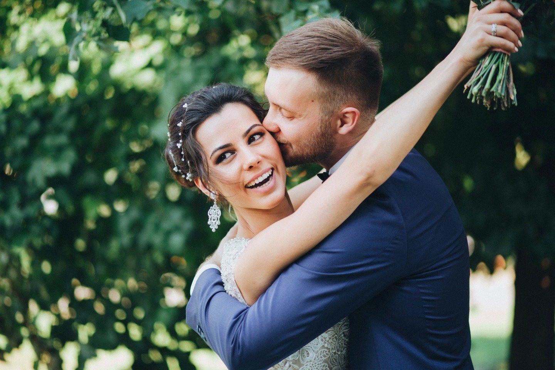 Розовая нежность: свадьба Кости и Юли