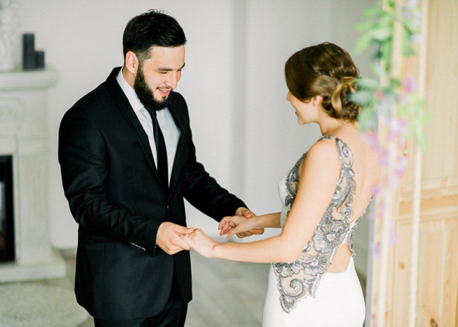 Первая встреча жениха с невестой: 25 самых трогательных моментов