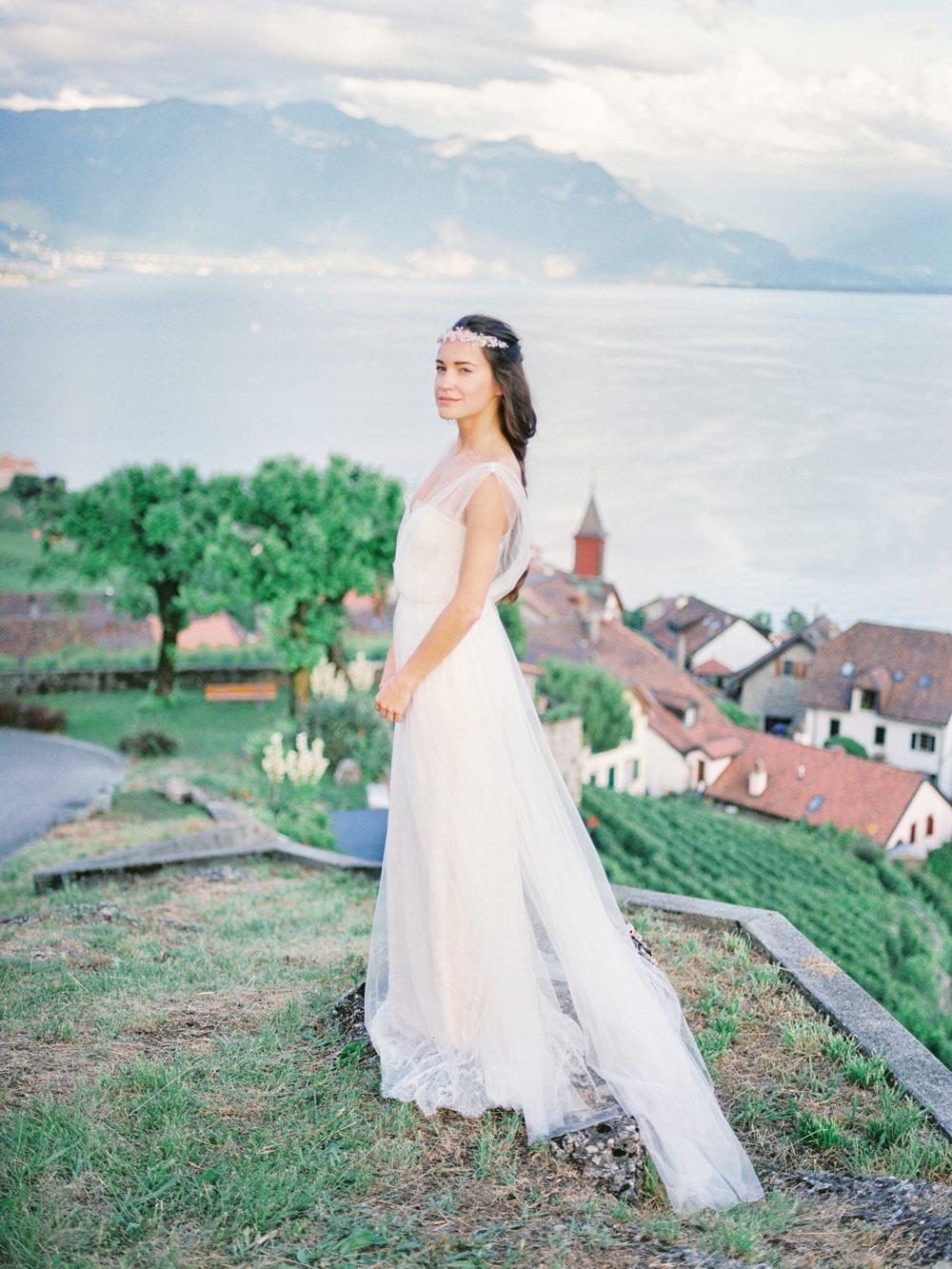 В долине голубых озер и величественных гор: стилизованная фотосессия