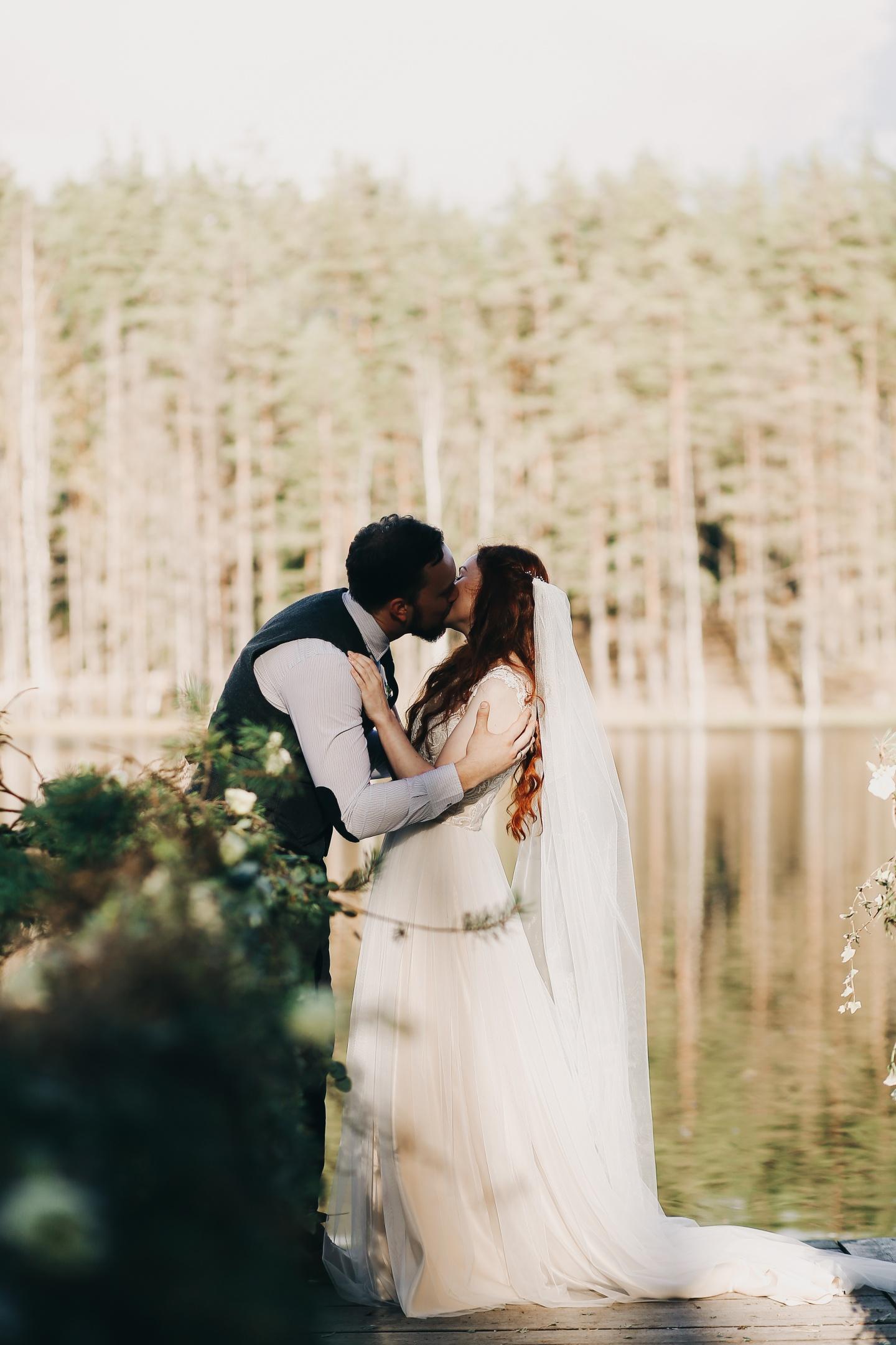 Как мы организовали волшебную лесную свадьбу: история Дарьи и Антона