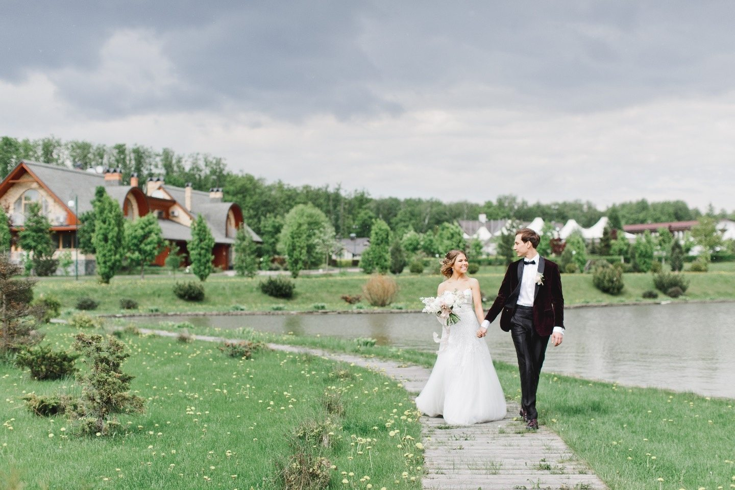 Shine & Wine Wedding: история Юлии и Данияра