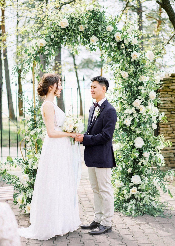 Весенняя нежность: свадьба Юрия и Регины