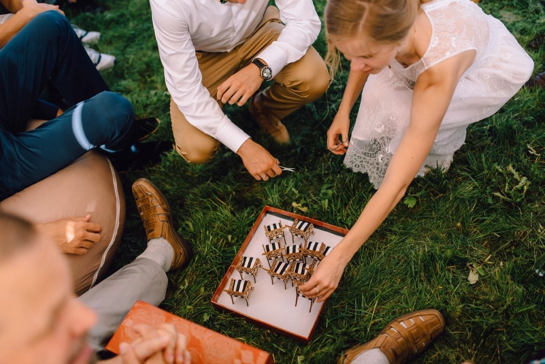 С изюминкой: неформальная летняя свадьба на природе