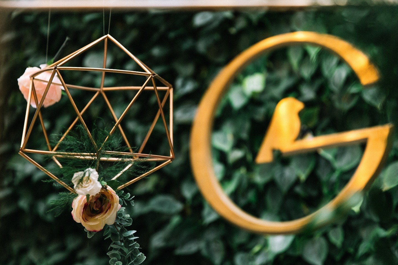 Зимняя свадьба в сиянии золота