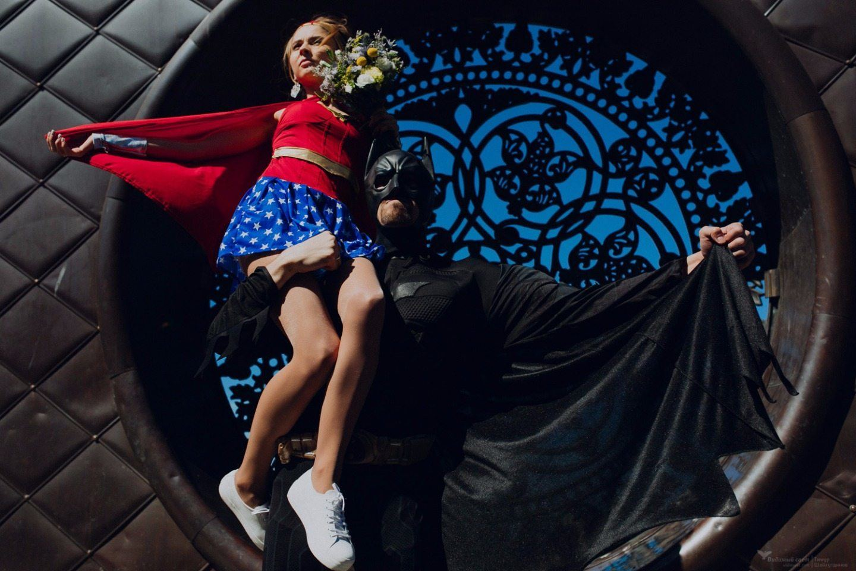 Классная свадебная love-story в стиле супергероев