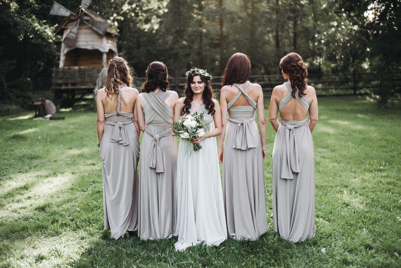 Гармония элегантности и уюта: летняя свадьба у реки