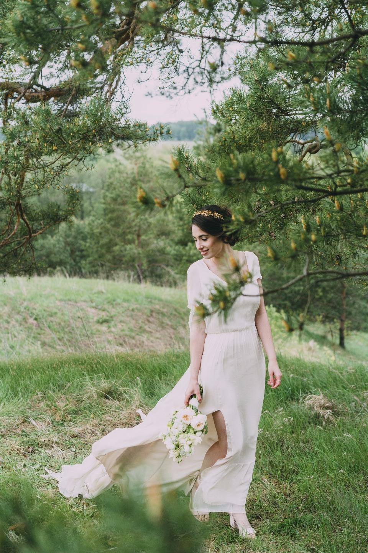Уют и тепло: камерная свадьба в загородном доме своими руками