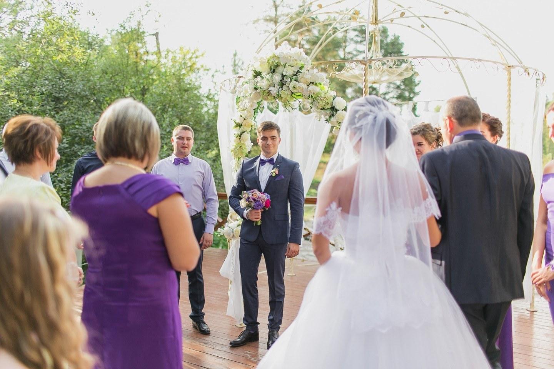 Виноваты звезды: «космическая» свадьба в фиолетовых тонах