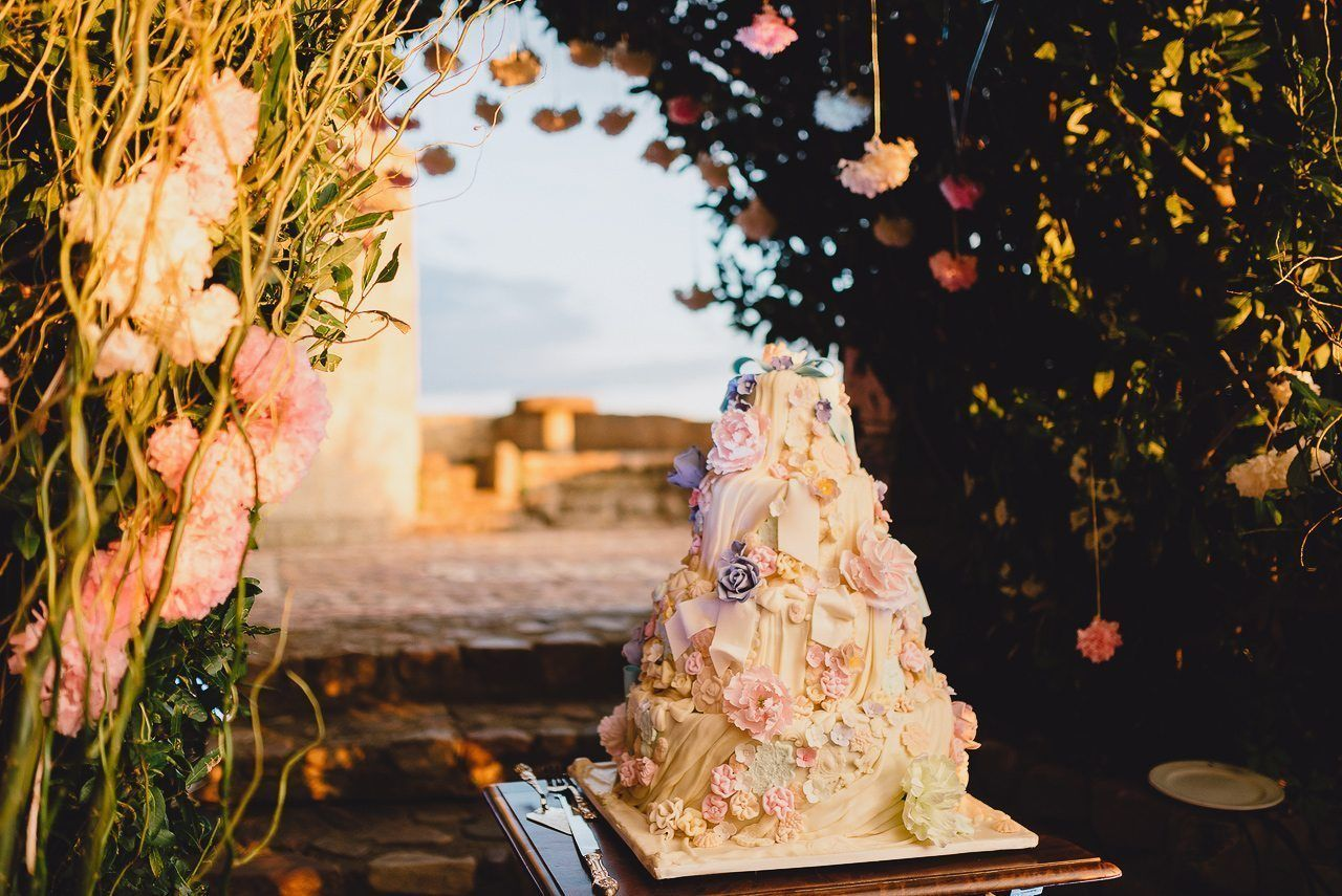 Все, что вам необходимо знать о свадебном торте