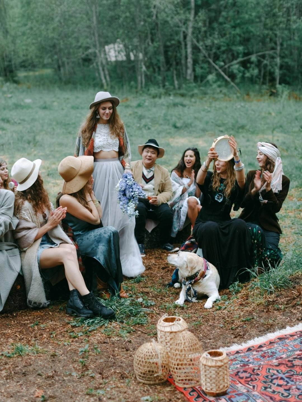 Место силы: свадьба в кемпинге в Карелии