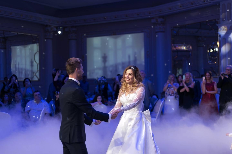 Классическая романтическая свадьба