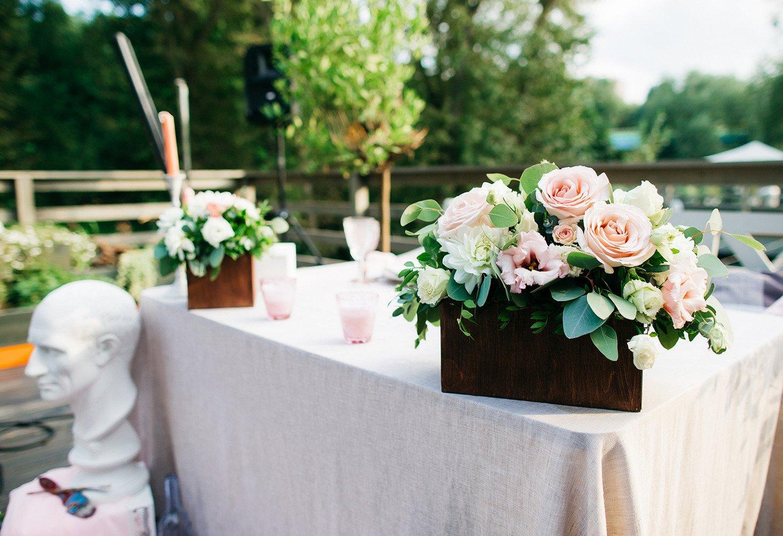 Непринужденный casual: свадьба на крыше кафе