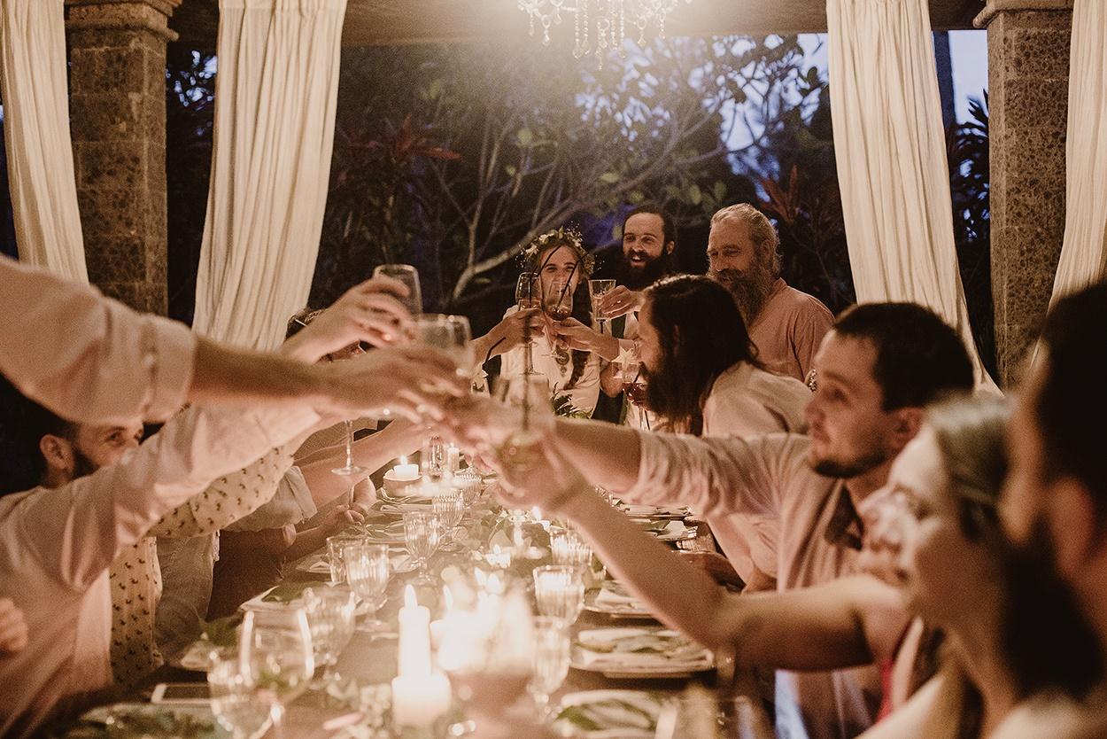 Магический остров: свадьба на водопаде