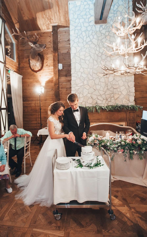 Тепло и душевность: летняя свадьба за городом