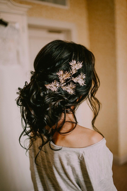 Заброшенная усадьба: свадьба в цвете марсала
