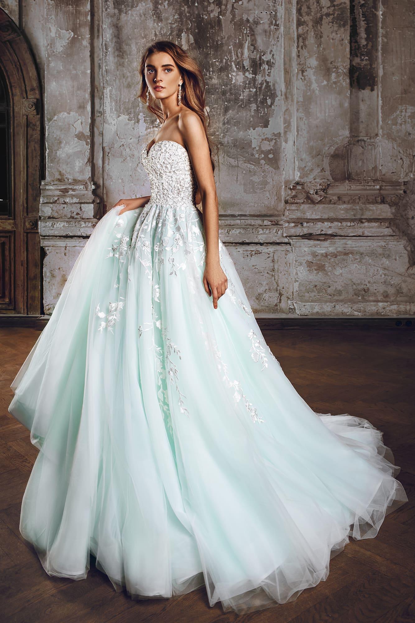 Выбираем платье невесты: главные тенденции свадебной моды 2018