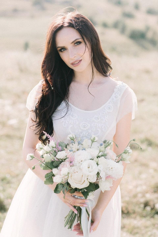 Нежность, простор и воздух: белоснежная love-story на закате