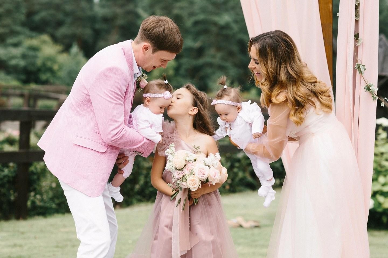 диск белого красивое фото семьей на розовую свадьбу устойчивость грибным болезням