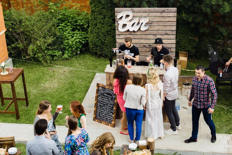 Бургер-вечеринка: свадьба в загородном доме
